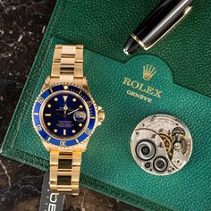 Dripping in gold (and blue) | Rolex Submariner | Bob's Watches | #Rolex #Submariner #Bluebezel #18kGold #BobsWatches