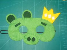 Felt Angry Bird King of The Bad Piggies play mask by PennyPopps, €8.00