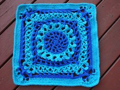 """Ravelry: Project Gallery for Victorian Hearts 12"""" Afghan block pattern by Shelley Husband"""