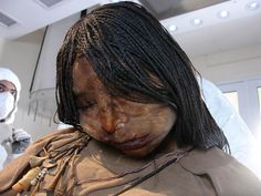 The Maiden mummy of a 15-year-old girl who was sacrificed some 500 years ago suggests she likely suffered from a lung infection at the time of her death, scientists reported July 25, 2012.  CREDIT: Angelique Corthals