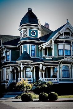 Victorian house...my heart just skipped a beat