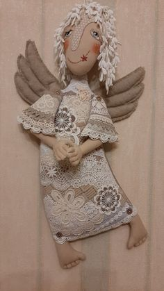Our goal is to keep old friends, ex-classmates, neighbors and colleagues in touch. Fabric Doll Pattern, Fabric Dolls, Fabric Art, Doll Patterns, Handmade Toys, Handmade Art, Doll Making Tutorials, Crochet Angels, Angel Crafts