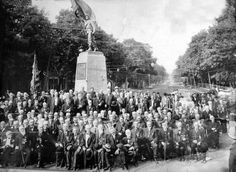 Veterans of the 124th ny gather under the monument to their regiment in goshen, ny.