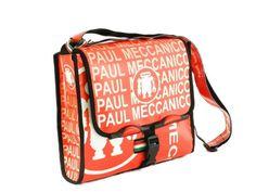 6fad75a8e0 Borse e Accessori made in Italy Borsa donna/uomo a tracolla Paul Meccanico  colore rosso in pvc di alta qualità. Borsa realizzata a mano in Italia.