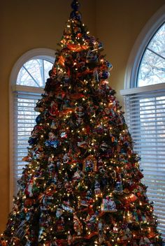 Christopher Radko...my tree will look like this very soon.