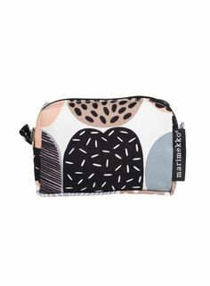The makeup bag Kompotti from Marimekko Marimekko Fabric, Scandinavian Interior Design, Interior Accessories, Bold Colors, Gym Bag, Latest Fashion, Itu, House Design, Pattern