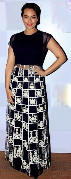 USD 112.29 Sonakshi Sinha Lekme Fashion Week Black Gown 36188