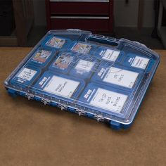 The all-new Kreg Screw Organizer offers a great way to store Kreg Screws in a compact, easy-to-carry, easy-to-store package. The Screw Organizer is also a perfect companion to the Kreg System Organizer, making it easy to create a coordinated, stackable organizing system for Kreg Screws and an entire Kreg Joinery System.