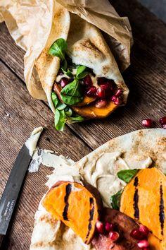 Wrap uit het Midden-Oosten - The Green Happiness Tortilla Wraps, Plant Based Recipes, Hummus, Roast, Tacos, Lunch, Ethnic Recipes, Food, Arabesque