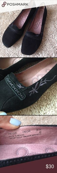 Clarks Artisan collection suede loafers Clarks Artisan collection suede leather loafers, black with purple embroidered detail, worn very little, size 8, comfortable! 🛍NO HOLDS 🛍NO TRADES 🛍REASONABLE OFFERS CONSIDERED (if you offer 50% or more off my asking price that is insulting) 🛍All items are packaged with care and shipped out in 1 day 🛍Please leave me questions if you have any! Clarks Shoes Flats & Loafers
