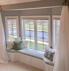 Stairway window seat - All About Balcony Bay Window Living Room, Home Living Room, Living Room Designs, Living Room Decor, Bay Window Bedroom, Bay Window Decor, Window Seat Curtains, Window Seat Cushions, Curtains For Bay Windows