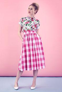 Retro find of the week: Tara Starlet Picnic Skirt Looks Street Style, Looks Style, My Style, Moda Vintage, Vintage Mode, Vintage Inspiriert, Vetement Fashion, Estilo Retro, Mixing Prints