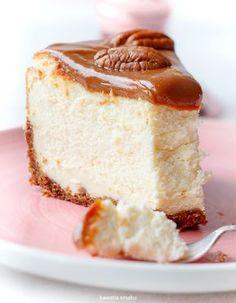 Sernik kajmakowy na korzennym spodzie Polish Desserts, Polish Recipes, Good Food, Yummy Food, Different Cakes, Love Cake, Something Sweet, No Bake Cake, Delicious Desserts