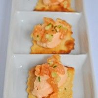"""Cruncy """"Sfoglie"""" by Olivia&Marino with smoked salmon mousse for a romantic tête-à-tête"""
