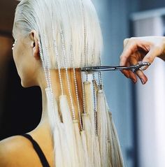me cutting ties with toxic people that neva wanna let go / via The Hair Expert Hair Art, Your Hair, Hair Inspo, Hair Inspiration, Angelo Seminara, Avant Garde Hair, Editorial Hair, Hair Shows, Looks Style