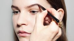 ELLE's resident make-up artist Lisa Eldridge shares her expert tips so you can get perfect brows...