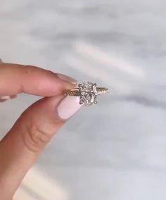 2 Carat Engagement Ring, Yellow Engagement Rings, Engagement Sets, Beautiful Engagement Rings, Engagement Ring Settings, Vintage Engagement Rings, Rectangle Engagement Rings, Different Engagement Rings, Perfect Engagement Ring