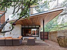 Architect Tom Reisenbichler has designed the Caruth Boulevard residence in Dallas, Texas.