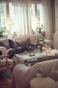 Check out these cozy living room ideas and design schemes for tiny spaces. From cosy options to modern looks, take a look at the best cozy living room. Cozy Living Rooms, Home Living Room, Apartment Living, Living Room Designs, Living Room Decor, Cozy Apartment, Mocha Living Room, Living Area, Dining Room