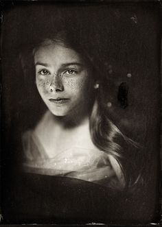 Photographer Uses Technique To Shoot Kids, And The Result Is Haunting Wet Plate Collodion Photo Types Of Photography, Photography Women, Portrait Photography, Creative Photography, Victoria And Albert Museum, Black And White Portraits, Black And White Photography, Photo Grand Format, Wet Plate Collodion
