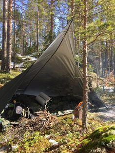 Bushcraft Finish style Canoe Camping, Bushcraft Camping, Scout Camping, Camping And Hiking, Camping Survival, Camping Life, Survival Gear, Survival Stuff, Camping Shelters