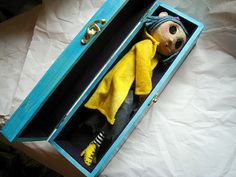 Coraline I must make a Coraline one day! Coraline Doll, Coraline Jones, Coraline Aesthetic, Other Mothers, Dibujos Cute, Halloween Cat, Animation, Stop Motion, Tim Burton