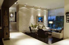 pared de piedra, arte, lampara de piso, desnivel, iluminación :)