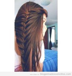 Peinado sencillo y bonito, trenza deshecha al lado,,,, it's really nice!!:)