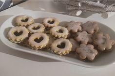 Makové cukroví s povidly a citronovou polevou Doughnut, Cookies, Desserts, Recipes, Food, Lemon, Crack Crackers, Tailgate Desserts, Deserts