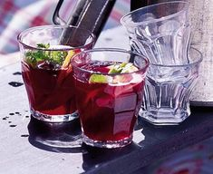 Refreshing red wine cooler
