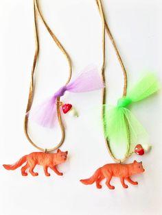 jewellery gift idea for girls party Meri Meri Adorable Wooden Fox Necklace KIDS