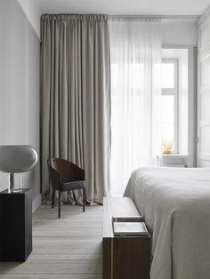 Elegant Home Decor, Elegant Homes, Swedish Interiors, Minimal Bedroom, Modern Bedroom, Swedish Bedroom, Bedroom Rustic, Curtains Living, Linen Curtains