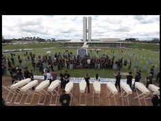 Policiais protestam contra reforma da previdência em frente ao Congresso