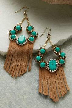 Southwestern style goes glam! Our Aiyana Earrings feature angled soft suede fringe and turquoise cabochons. Radiant rhinestones add just a touch of glimmer! Jewelry Trends, Jewelry Accessories, Women Jewelry, Hat Hairstyles, Southwestern Style, Soft Surroundings, Leather Fringe, Simple Jewelry, Soft Suede