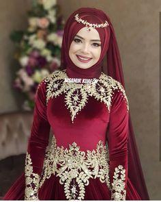 K na k yafeti tasar m mihrimahgelinlik Taffeta Dress, Satin Dresses, Nice Dresses, Casual Dresses, Strapless Dress, Hijab Wedding, Bridal Hijab, Casual Wedding, Hijab Fashion