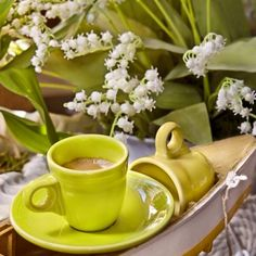 Nadire Atas on Cafe , Tea, Desserts and Lovely Flowers Lily + Espresso by Cass Peterson Greene, via Good Morning Coffee, Coffee Break, I Love Coffee, My Coffee, Good Night Flowers, Café Chocolate, Coffee Photography, Cafe Food, Coffee Cafe