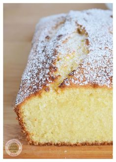 Bowl cake with blackberries and faisselle - HQ Recipes Beignets, 1234 Cake, Bolo Normal, Sweet Recipes, Cake Recipes, Blueberry Banana Bread, Bowl Cake, Pan Dulce, Baking Tins