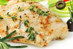 Garlic-Butter Baked Halibut Recipe - Quick and Easy! Baked Fish--When it comes to fish, halibut is a good alternative to salmon. This dish is quick and easy. Serve it with a mixed green salad and brown rice pilaf or oven-roasted potatoes. Halibut Baked, Baked Fish, Baked Halibut Recipes, Easy Halibut Recipe, Grilled Fish Recipes, Seafood Dishes, Fish And Seafood, Seafood Recipes, Gastronomia