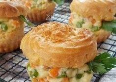 Choux Pastry, Eclairs, Cake Cookies, Crackers, Chicken, Cooking, Ethnic Recipes, Food, Pumps