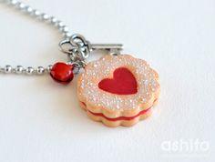 Strawberry Jam Cookie Necklace Polymer Clay por Ashito en Etsy