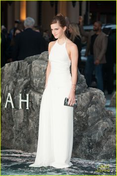 Emma Watson's Leg Takes Center Stage at 'Noah' London Premiere | emma watson leg noah london douglas booth 13 - Photo Gallery | Just Jared Jr.