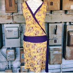 Floral 1920's Style Dress Gorgeous piece - in great/new condition. 1920s style pattern. Dresses