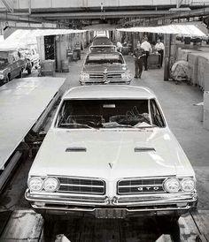 Production line for Pontiac GTO!!