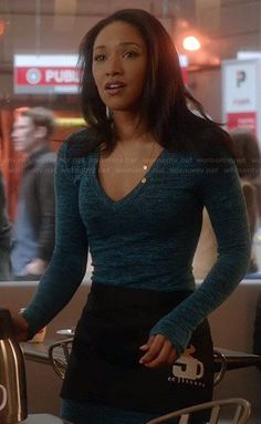 Iris's blue marled long sleeve dress on The Flash Iris Fashion, Fashion Tv, Fashion Beauty, Fashion Outfits, Pretty Outfits, Cool Outfits, Iris West Allen, Look 2017, Candice Patton