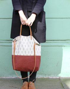 Schultertaschen - Tasche ELIN PRINT // rot - ein Designerstück von MINUK bei DaWanda
