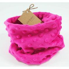 """Szalik Komin """"Happy Pink"""". Komin wykonany jest z bajecznie mięciutkiego pluszu minky w kolorze fuksji."""