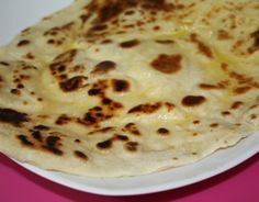 naan au fromage The real one. A tester! Cooking Chef, Easy Cooking, Cooking Recipes, Crepes, Comida India, Good Food, Yummy Food, Salty Foods, 20 Min