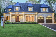 250 Pinetree Way, Mississauga, Ontario Oakville Ontario, Waterfront Property, Virtual Tour, Luxury Homes, Farmhouse, Real Estate, Mansions, House Styles, Home Decor