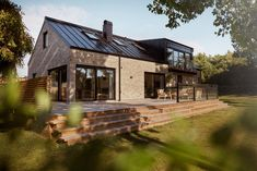 Modern Barn, Modern Farmhouse, House In The Woods, Cladding, Home Fashion, Future House, New Homes, House Ideas, Exterior
