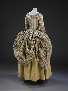 1775, British  Robe à la Polonaise  ~ who cared if they had hips under there! :))